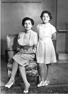 Queen Fawzia of Iran wife of the Shah of Iran, Mohammad Reza Pahlavi) & her child, Princess Shahnaz Pahlavi (b. 27 October the child of the Shah Shahnaz Pahlavi, President Of Egypt, Persian Princess, Iran Pictures, Pahlavi Dynasty, Farah Diba, The Shah Of Iran, Iranian Women Fashion, Old Egypt