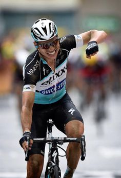Tony Martin takes the win and the yellow jersey during stage 4.