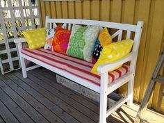 Marimekko pillows Summer Paradise, Marimekko, Porch Swing, Outdoor Furniture, Outdoor Decor, Bench, Decor Ideas, Pillows, House