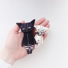 Last time looking at me . Tommorow going  to new mummy together . ☺️☺️☺️ #cat #lovecats #catdoll #catlover #catbrooch #catcatcat #handmade #handmadecat