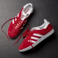 check out efc16 45e48 Adidas Gazelle (Red) 80 Adidas Sko Kvinder, Adidas Sneakers, Røde Sko,
