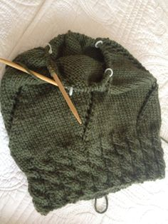 Lizzy's Slouchy  Ravelry info: Slouchy('s no Slouch) by Lea Kobayashi from Lulú Handknits NYC