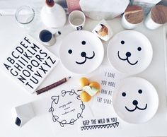 DIY KIDDO PLATE AND WALL DECALS