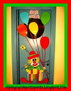 Νηπιαγωγός από τα πέντε...: ΑΠΟΚΡΙΑΤΙΚΗ ΔΙΑΚΟΣΜΗΣΗ Circus Crafts, Carnival Crafts, Circus Theme Classroom, Classroom Door, Winter Crafts For Kids, Diy For Kids, Carousels, Diy And Crafts, Kindergarten