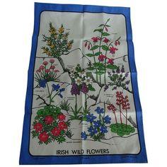 Vintage Linen Irish Wild Flowers Print Tea Towel (25.560 CLP) ❤ liked on Polyvore featuring home, kitchen & dining, kitchen linens, linens, vintage kitchen linens, linen tea towels, white tea towels, vintage tea towel and white linen tea towels