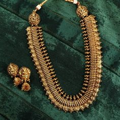 Jewelry OFF! The Ultimate Brand To Shop Aritificial Antique Jewellery Online! Antique Jewellery Online, Antique Jewellery Designs, Gold Earrings Designs, Gold Jewellery Design, Antique Jewelry, Jewels Online, Antique Gold, Indian Jewelry Sets, Indian Wedding Jewelry