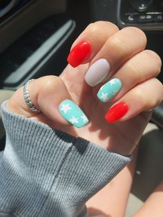 Semi-permanent varnish, false nails, patches: which manicure to choose? - My Nails Aycrlic Nails, Cute Nails, Pretty Nails, Hair And Nails, May Nails, Summer Acrylic Nails, Best Acrylic Nails, Summer Nails, Spring Nails