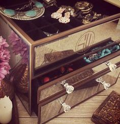 Discover the SAMANTHA WILLS complete range. From necklaces, rings to earrings and homewares, SAMANTHA WILLS is the ultimate destination for accessories. Jewellery Boxes, Jewellery Storage, Jewelry Box, Jewelry Accessories, Jewelry Design, Bohemian Jewellery, Jewelry Chest, Getting Organized, Decorative Boxes