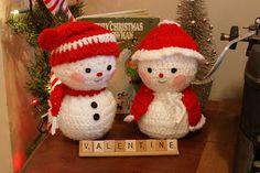 cotton pickin' fun! Snowcouple in love!