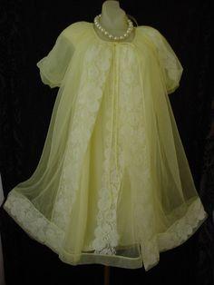 Vintage 1950s Miss Elaine peignoir set.