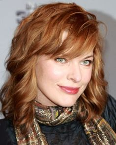 Milla Jovovich, soft copper hair color with buttery blonde highlights. Milla Jovovich, Zooey Deschanel, New Hair Colors, Brown Hair Colors, Dyed Natural Hair, Dyed Hair, Medium Red Hair, Aveda Hair Color, Cabello Zayn Malik