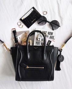 Top Designer Handbags, Black Designer Bags, Designer Purses, Inside My Bag, What's In My Purse, Purse Essentials, What In My Bag, Stylish Handbags, Work Bags