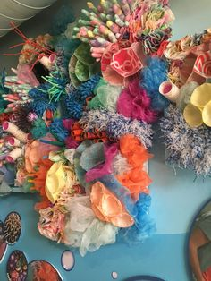 DIY coral reef project displayed at marbles kids museum DIY coral reef project displayed at marbles kids museum Arte Coral, Coral Art, Under The Sea Theme, Under The Sea Party, Coral Reef Craft, Recycled Art Projects, Ocean Crafts, Ocean Themes, Kids Museum