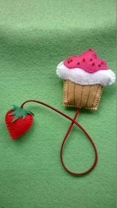 Cupcake felt bookmark by regina