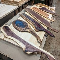 Wood Resin Table, Epoxy Resin Wood, Woodworking Saws, Woodworking Crafts, Wood Creations, Wood Cutting Boards, Charcuterie Board, Wood Design, Wood Art
