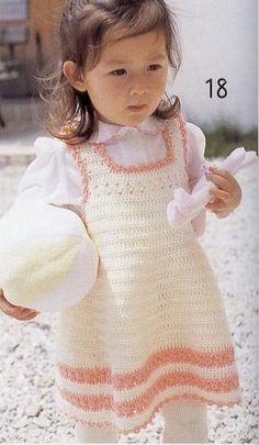 Robe blanche et rose de 12 à 24 mois avec ses grilles gratuites ! Crochet baby dress 12 to 24 months