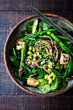 Jade Noodles- an Asian noodle bowl loaded up with fresh seasonal veggies and a delicious Sesame Dressing. Served warm or chilled! Gluten-free adaptable.