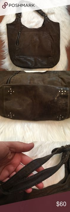 Olivia Harris super soft leather bag This item has been used. However it is in great condition with no stratches or tears. See pictures for details. Olivia Harris Bags Shoulder Bags