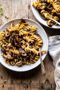 Easy Mushroom Soup, Butter Mushroom, Mushroom Stroganoff, Whole Foods 365, Vegetarian Recipes, Healthy Recipes, Vegetarian Dinners, Ketogenic Recipes, Beef Recipes
