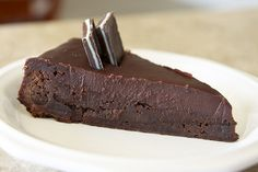 Brownie pie ... topped with ganache! I'm going to have to try this one. The blogger says it's easy, and one of the best dessert recipes she's tried!