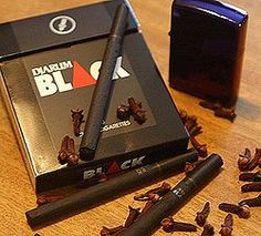 Djarum Black (Tabaco, Cravo e Canela)