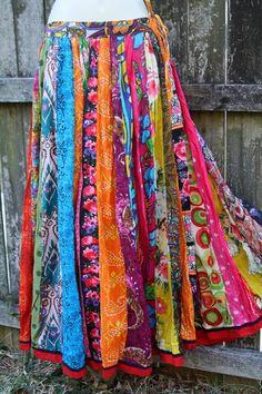 ideas skirt pattern gypsy hippie chic for 2019 Moda Hippie, Hippie Chic, Hippie Skirts, Boho Skirts, Bohemian Mode, Bohemian Style, Bohemian Skirt, Bohemian Decor, Boho Chic