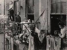 IMMIGRANTS IN 1900's NEW YORK CITY - Neighborhoods