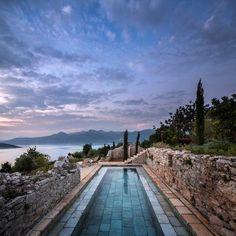 Villa San Spirito, Croatia by Steven Harris Architects LLP – casalibrary Landscape Design, Garden Design, Old Stone Houses, Backyard Ideas For Small Yards, Modern Farmhouse Design, Modern Country, Cool Pools, Back Gardens, Dalmatian