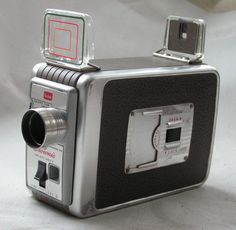 VINTAGE 1950s KODAK BROWNIE 8 MODEL II MOVIE CAMERA, CASE & INSTRUCTIONS