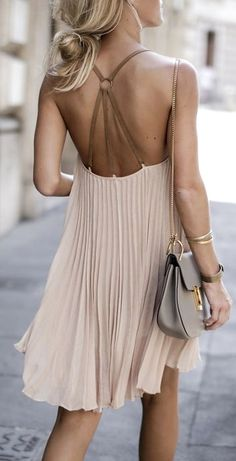 Oh wow - LOVE THIS DRESS ღ Stylish outfit ideas for women who follow fashion.