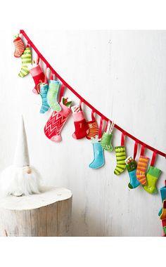 Mini-Felt-Stockings Advent Calendar