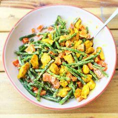 Lekkere lauwwarme salade van zoete aardappel, sperziebonen en kipfilet.