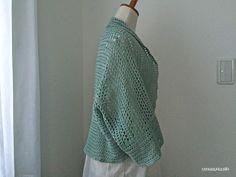 マーガレット風カーデ、お待たせしました!編み図が書けました。まずは前から…横から…そして後ろから…ちなみに、本体を半分に折って平置きするとこんな感じになります。編み方はそんなに複雑じゃありません^^...