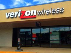 Supercookies are not super for wireless customers, say Senate Democrats. According to PBS Newshour, on Friday, Democratic senators called for an investigation into Verizon's use of tracking . Free Government Phone, Youtube Red, Verizon Wireless, Morning News, Usa News, I Win, Investigations, Need To Know, Netflix