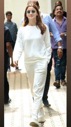 Bollywood Fashion, Bollywood Actress, Kendall Jenner Casual, Gigi Hadid Photoshoot, Denim Fashion, Fashion Outfits, Aalia Bhatt, Alia Bhatt Cute, Indian Designer Outfits