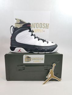 new products ef7a8 2f21e Nike Air Jordan Retro IX 9 OG Space Jam Playoff Black White SZ 5.5Y 302359