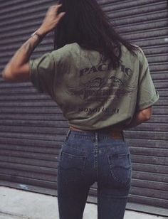 khaki tee. vintage denim. simple everyday style.