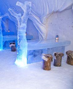 snow-hotel-9-finland-ice-bar-restaurant © SnowCastle