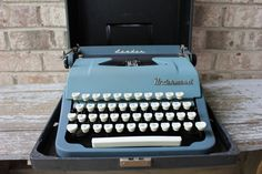 UNDERWOOD Leader vintage manual typewriter by carouselandfolk, $225.00