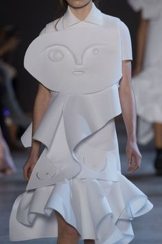 Wearable Art Dress with abstract face detail; sculptural fashion; couture fashion // Viktor & Rolf Spring 2016