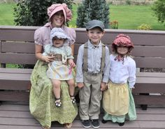 So this week our Church is doing a Family Pioneer Trek. Where we all dress up like Pioneers and reenact the Pioneers crossing the plai. Apron Tutorial, Skirt Tutorial, Pioneer Trek, Pioneer Life, Pioneer Games, Old Timers Day, Pioneer Costume, Pioneer Clothing, Family Fun Day