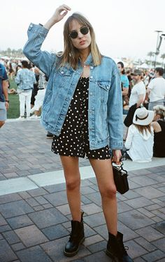 21 Ideas style rock grunge denim jackets for 2019 Denim Jacket Outfit Summer, Oversized Denim Jacket Outfit, Denim Oversize, Dress With Jean Jacket, Jean Jacket Outfits, Shirt Outfit, Winter Outfits, Summer Outfits, Casual Outfits