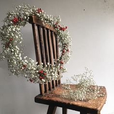 Another wreath in the making inspired by the lovely Olga @olgaprinku using gypsophila and red berries.