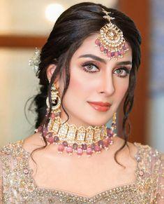 Pakistani Bridal Makeup Hairstyles, Bengali Bridal Makeup, Pakistani Bridal Wear, Beautiful Dress Designs, Beautiful Hijab, Bridal Makeup Images, Pakistan Bridal, Indian Bridal Photos, Simple Pakistani Dresses
