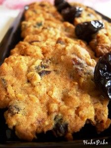 Oatmeal cookies with prunes