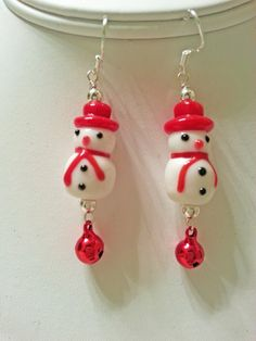 Adorable muñeco de nieve y pendientes de Jingle por owliecreative
