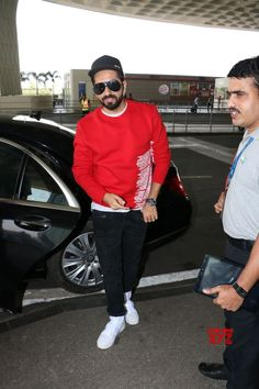 Mumbai: Ayushmann Khurrana seen at airport - Social News XYZ