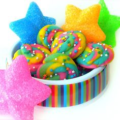 Follow the link to Unicorn Poop Cookies.  Pretty for spring!