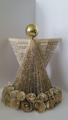 Just a quick post for any book folding addicts in the Scarborough (UK) area. We are setting up a self help group for addicts which will meet on the last Saturday of every month starting Septem… Book Christmas Tree, Christmas Paper, Christmas Angels, Christmas Projects, Holiday Crafts, Xmas, Folded Book Art, Paper Book, Paper Art