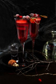 A gorgeous Holiday Red Cranberry cocktail!  | Will be the HIT at any Party | MarlaMeridith.com #cocktailrecipe